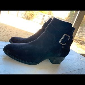 Paul Green Jano Like New Size 8 Suede
